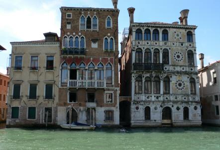 Venice-palazzos_lg